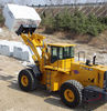 Four wheel drive front end fork wheel loader