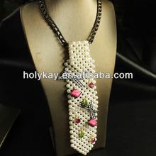 2013 new fashion accessories for women neck, unique design pearl bar pendant and metal chain necklace