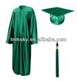 alto da escola de graduação uniforme