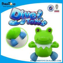 Vents jusqu'à jouet grenouille de natation jouets