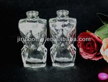 Femme corps en forme de bouteille de parfum