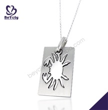 Satine finish cute vivid crab figure engraved letter necklaces