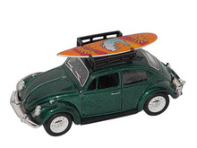 1:32 VW CLASSIC BEETLE WITH SURFBOARD (DISCONTINUED)