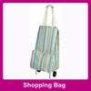 Streak pattern tote bag with wheels