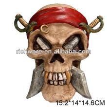 Cheap halloween resin pirate skull crossed swords human skull