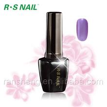 R742-beauty y las uñas de carteles de un solo paso de polaco del gel