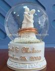 Resin glass wedding favors snow globe