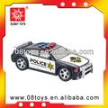 jouet voiture de police avec la lumière et la musique