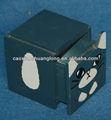 nouveau petit jolie boîte en bois sculpté avec la forme de chat