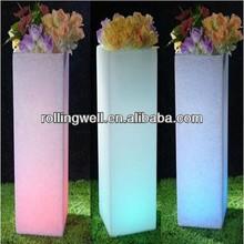 renkli plastik ışık saksı ve yetiştiricilerinin
