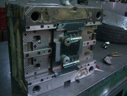 micro cost of injection molding machine with high performance