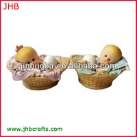2014 new lovely small baby figurine sleeping on the basket