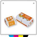 cibo cinese prendere la ciambella e scatola da pasticceria