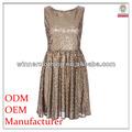 Frauen-mode glänzende kleider
