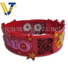 Customized design engraved logo free sample silicone wristbands china manufacturer