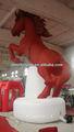 نفخ الكرتون، عملاق نفخ الحصان الأحمر