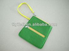 eco-friendly felt bag for ipad in green