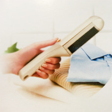 5th Avenue Self-Cleaning Lint Brush