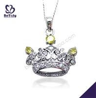 Vintage style crown yellow zircon silver magatama pendant
