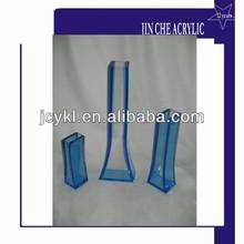 single acrylic flower vase