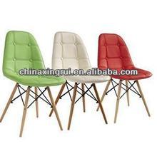 tavolo in legno con sedie in legno