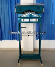 Cloth packing machine for laundry shop