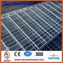 การส่งออกเหล็กชุบสังกะสีแผ่นขั้นตอน/บันไดตะแกรงเหล็กน้ำหนักในประเทศจีน