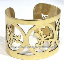 customized bangle with logo
