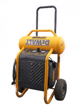 DeWalt D55146 1.8HP 200PSI 5.2SCFM 4.5 Gallon Wheeled Portable Air Compressor