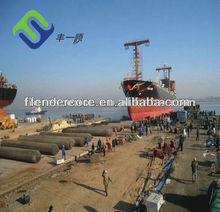 el lanzamiento de nave y tirando de airbags marina