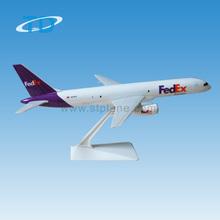 B757-200 FedEx 1:197 24cm scale decorative airplane model