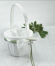 New Product! AAAA Quality Celtic Charm Irish Flower Girl Basket Wedding Decoration