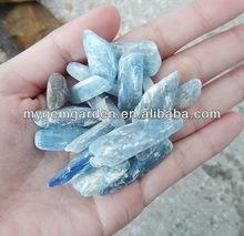 natural azul cianita de piedra en bruto