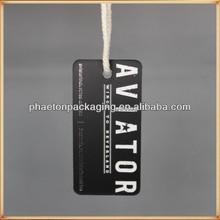 2014 Custom tag black color logo printed and sliver hot stamping website matt film hang tag with string