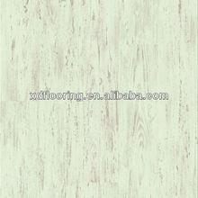 Revêtements de sol stratifiés de pin blanc brossé v- groove avec un aspect bois
