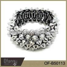 Yiwu Factory direct sale spikes bracelet