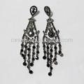 Mode personnalisé oem design noir en alliage de cristal lustre boucle d'oreille très longue