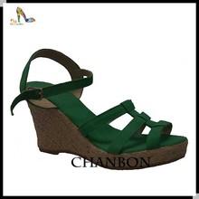 2014 más nuevo diseño de la moda sexy sandalia soles