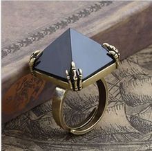 Ring of prophecy Black crystal diamond pyramid Punk jewelry