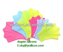 hot sale flexible silicone swimming webbed gloves in Dongguan