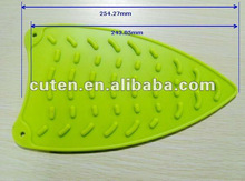 Flexible heat resistant silicone iron mat
