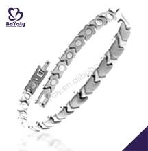 Graceful unisex arrowhead decorative bijoux white gold bracelet