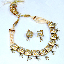 White or Ivory Lakh Necklace Jewelry in The Style of Mughal India with Earring