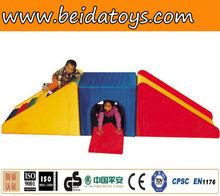 Toddler inside entertainment center BD-L4319B