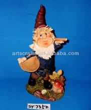 Polyresin gnome for garden decoration