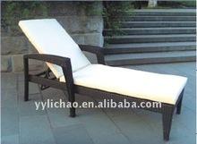S&D handcraft Outdoor rattan beach chair sun lounger