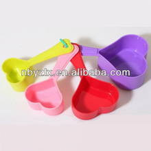 Heart shaped measuring cups / Plastic measuring cup / Plastic measuring spoon