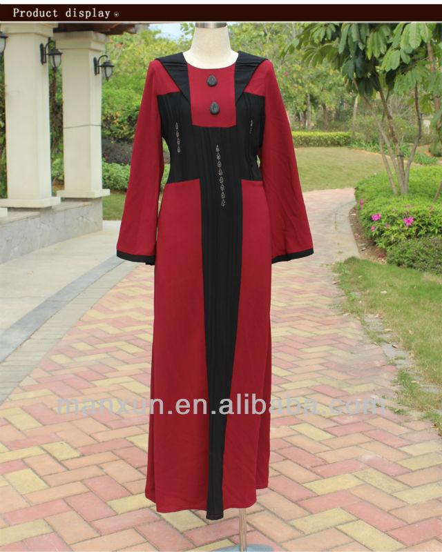 أحمر وأسود المرأة المسلمة الملابس وتصميم الشخصية مع لوحة الكتف