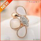 Trendy Cheap And Elegant Gold Rings New Model 2013