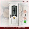 الغرفة الكلاسيكية الباب يستخدم تصميم الأبواب الداخلية الصلبة الخشب